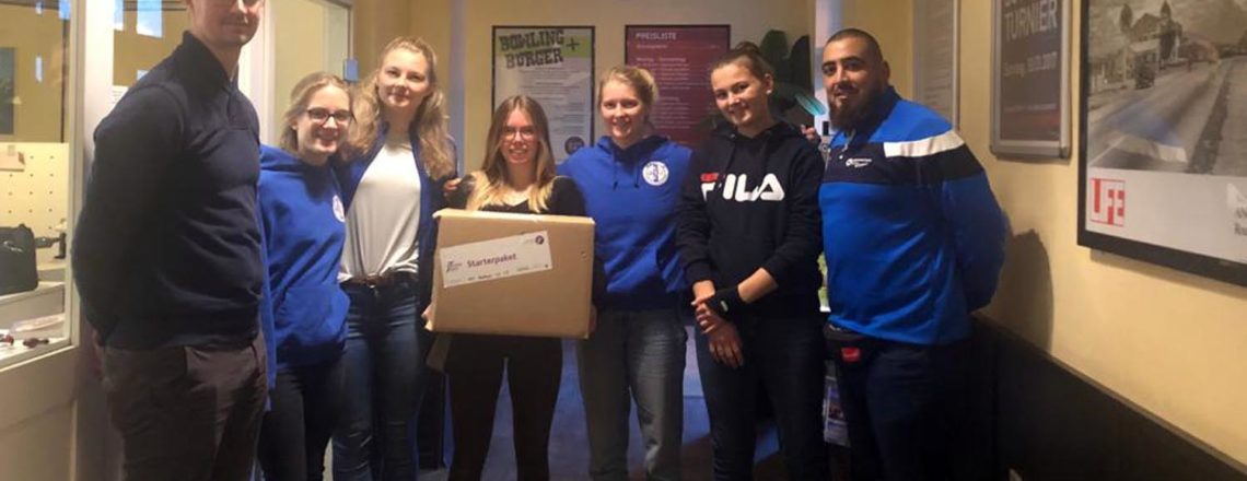 J-Team der Sportjugend Bochum verteilt neue Starterpakete